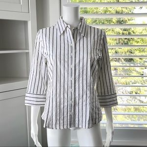 🏷Any 3/$20 - GEORGE White Stripe Button Up Blouse
